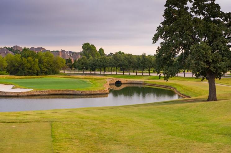 Beautiful golf course in Lantana TX